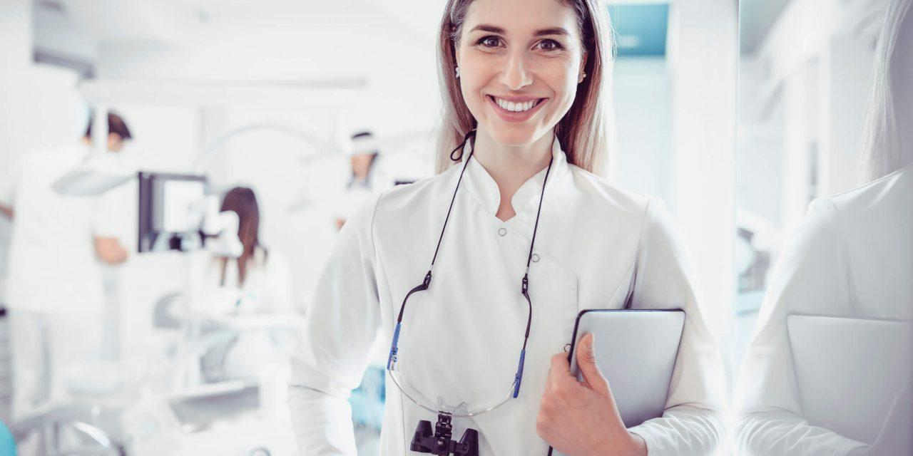 Ser diferenciado na odontologia: Confira 8 passos infalíveis