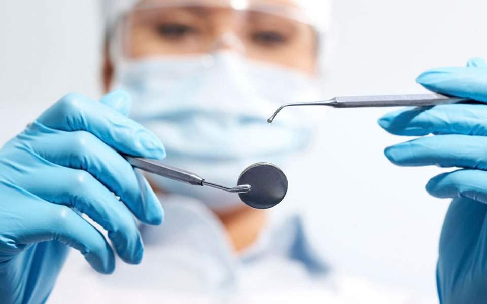 Cirurgiões-dentistas: Superem a crise econômica com dicas exclusivas!